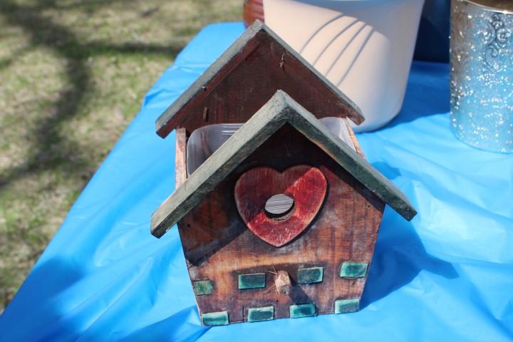 Birdhouse plant pot