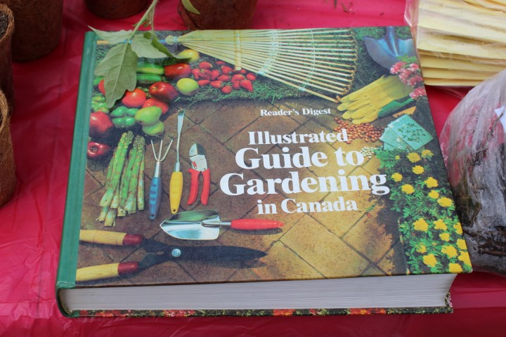 Gardening in Canada Readers digest book